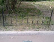 013_gazonnoe_ograzhdenie_tri_kolca_foto