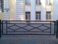 019_gazonnoe_ograzhdenie_rombik_dlinniy_foto